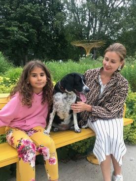 Tre sköna damer. Fr hö: Jessica Raynee, Sanna och  dotter Elle. 6 juli 2019. Fotade av Daniel Raynee.