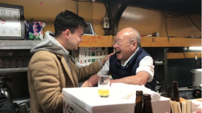 Ovan och nedan: Toyos mat var riktigt god. Det serverades sushi, grillad ål, färsk sashimitonfisk och annat gott.