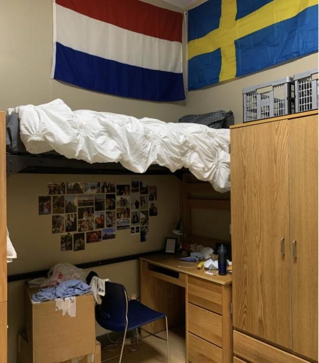 Rummet där jag bor tillsammans  med en brittiska också fotbollsflicka