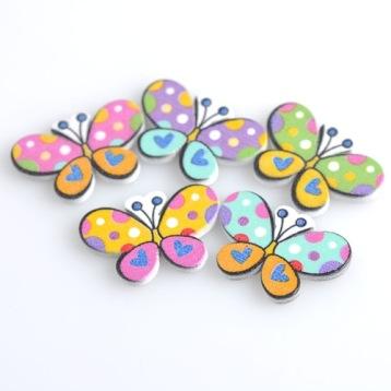 Fjärilar i trä
