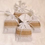 Lavendelpåsar vit med juteväv