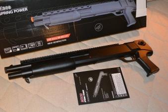 M309 Shotgun Manuell m. Pumpfunktion Svart Airsoft EE Double Eagle