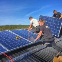 PE-Byggtjänst-monterar-solceller-i-Sundhult
