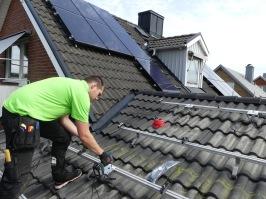 SolMontage installerar och monterar solcellspaneler, solcellspaket & solcellsanläggningar