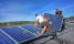 Montage solceller anläggning Gällared, Västsverige