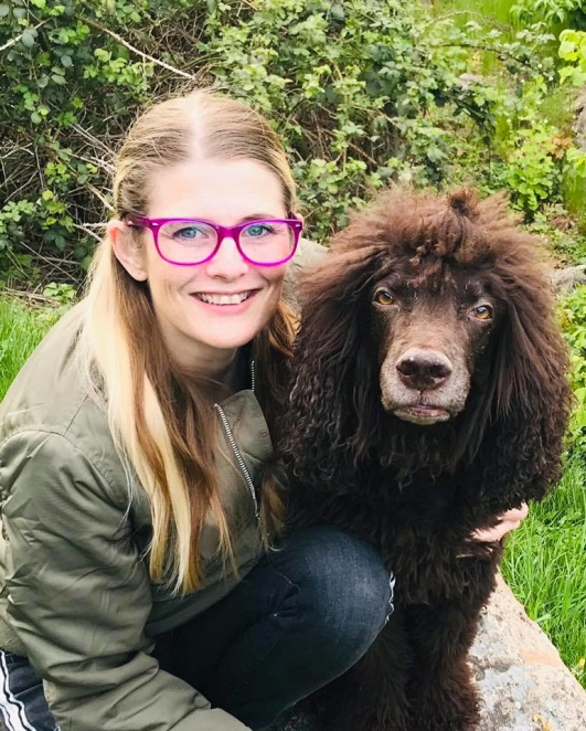 Marina Lindberg Hundpsykolog, Hundfrisör, Hundinstruktör