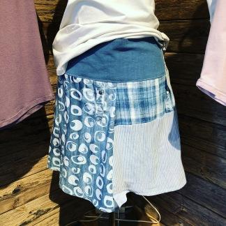 Kjolar av återvunna skjortor -