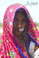 4C. Kvinna i Gujarat (Indien)