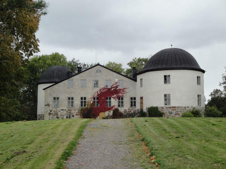Penningby slott i är ett slott i Länna socken i Norrtälje kommun, Uppland.