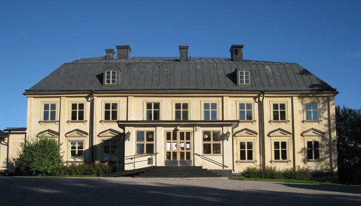 Jakobsbergs säteri är en gård som uppfördes vid mitten av 1600-talet på den gamla bondbyn Vibbles ägor i Järfälla socken i Uppland.