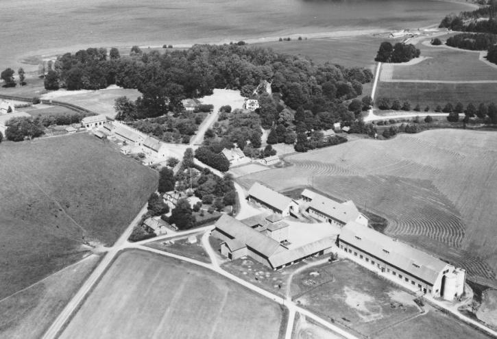 Fituna herrgård på flygfoto från 1959.