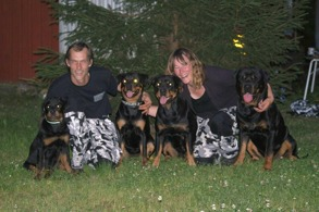 Familjen Berglund: Go Solid's Atlas Jr, Tony, Just Ask Whitney, Go Solid Cornelia, Lena & Go Solid Ceasar