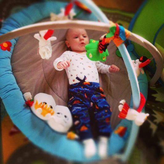 Eric i babygymet- har ingen aning om fredagsmys eller lördagsgodis...:)