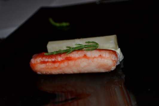 Havrerot med champagneångad kungskrabba, musselcreme dubble och havssparris