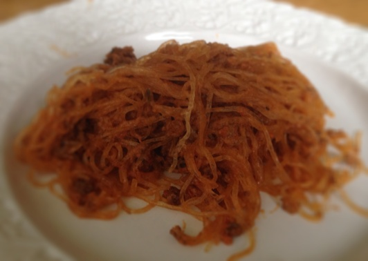 Sjögräsnudlar stekta med köttfärs smaksatt med chili