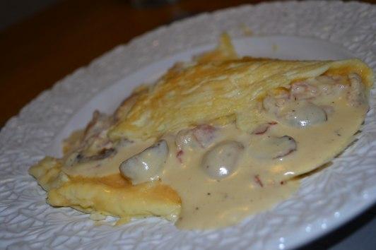 Omelett med bacon & svampsås