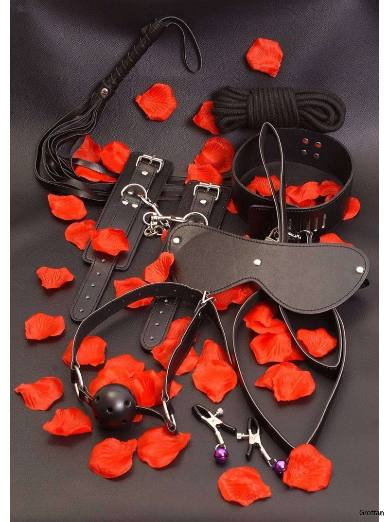amazing-bondage-sex-toy-kit0