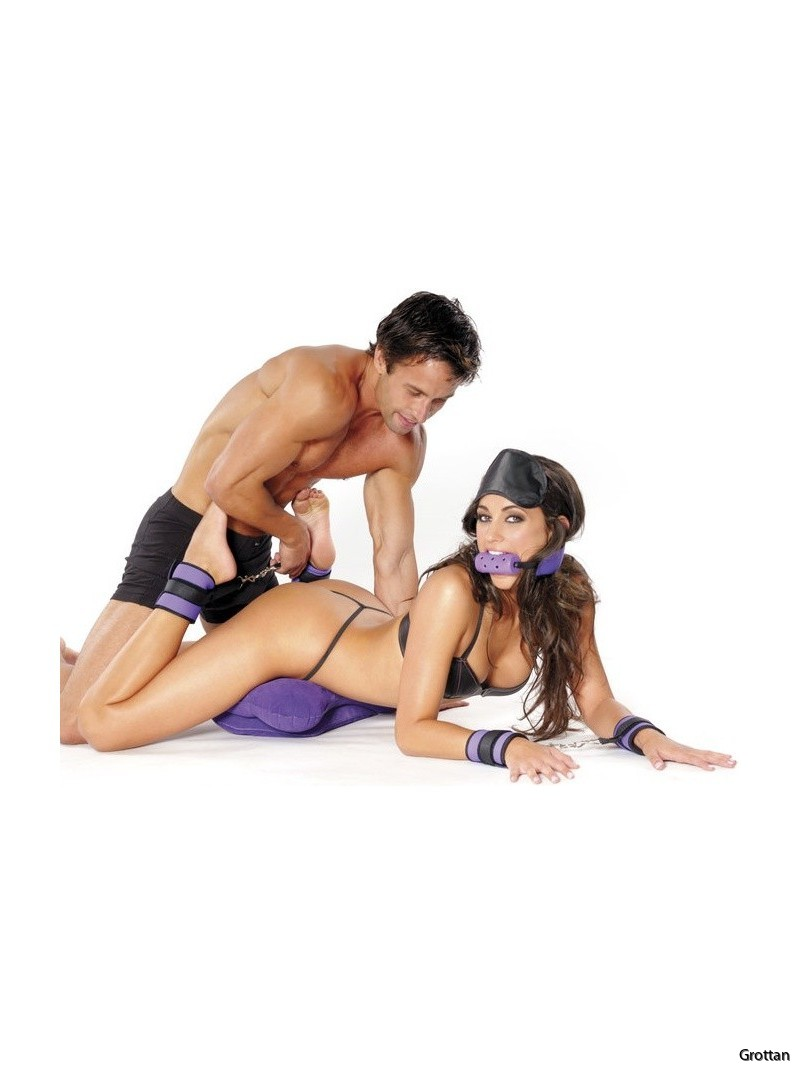 fetish-fantasy-series-pleasure-set-purple