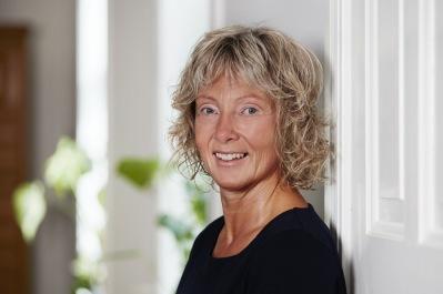 Söker du hälsokonsult i Halland? Helén Johansson,  diplomerad KranioSakral Terapeut & Hälsokonsult som arbetar med klienter, företag & grupper i Halland