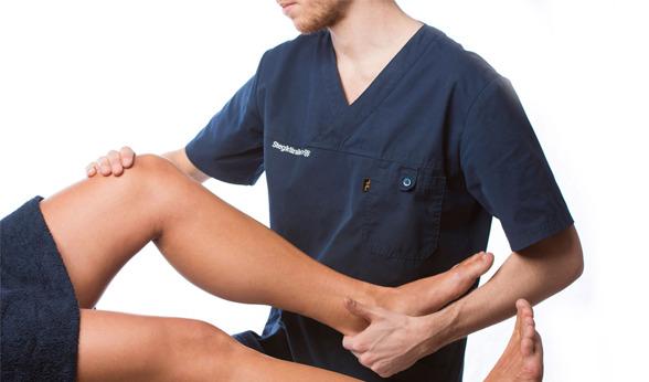 Vi behandlar fot, ben & övriga  kroppen. Alla behandlare på Stegkliniken är legitimerade Sjukgymnaster, Naprapater eller Kiropraktor. Våra naprapater & kiropraktor är experter på rygg och nackrelaterade skador.