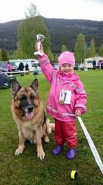Emma barn med hund 3-6 år