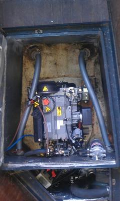 Lombardini 1003M på 30 hk och S-drev i en Vinga 78