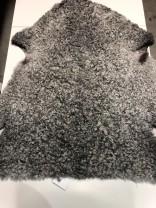 Lammskinn grått