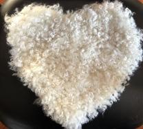 Stolsdyna hjärtformad vit