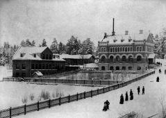Nybergs o Lind i vinterlek.