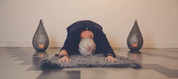 Träna Hormon Yoga Drop In hos LillYoga hos LillYoga & Massage i Tvååker mellan Varberg & Falkenberg