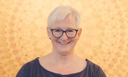 Jag heter Lill Wennberg och har LillYoga & Massage i Tvååker mellan Varberg & Falkenberg