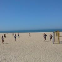 På stranden pågår alltid någon aktivitet