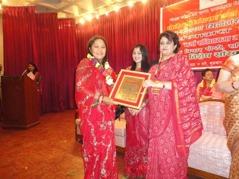 Biva prisad för hennes arbete med utbildning. Hösten 2011