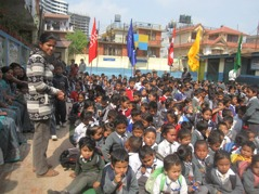 Hela skolan samlad. Foto: Biva