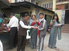 Några av lärarna, Biva och hedersgäst. Foto: Asphodel Public School