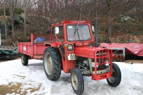 Traktor med tippkärra är såld