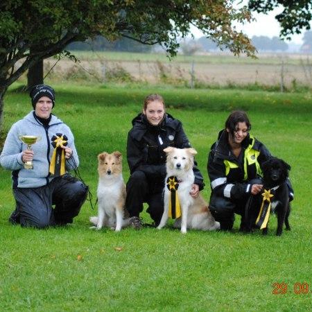 Sara med Irre, Sandra med Mika och Emilie med Yazza