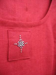 Detalj röd livklänning 2