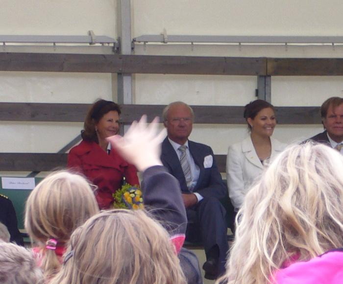 Gillet dansade för kungafamiljen som var på besök i Piteå  2009