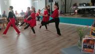 En grupp ungdomar inledde festen med sång och dans! De var jätteduktiga!