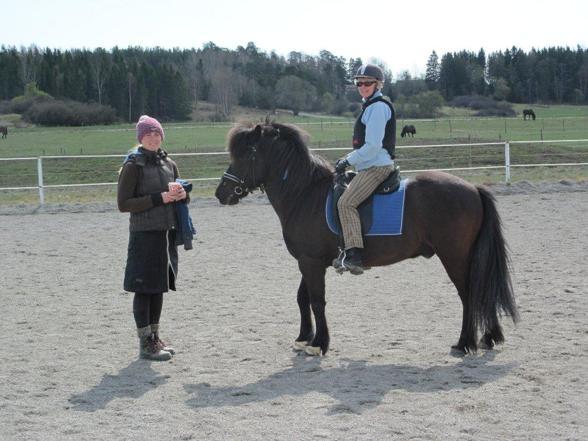 Anne-Marie med Lena och Rindill