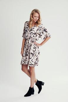 REA Culture Belina klänning - Strl M
