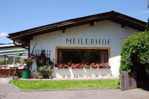 Kan tänkas! Vid lunchtid på hemväg kom vi till samma underbara restaurang i Österrike. Favorit i repris.
