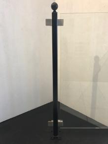 Stolpe stål svartlackerad - Svartlackerad mittstolpe