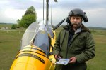 Foto: Dennis Meisner - Piloten Nisse Öberg från Skånska Gyrokopterklubben som fann de båda männen från luften
