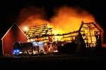 Foto: Dennis Meisner - När räddningstjänsten kom till branden var byggnaden redan övertänd