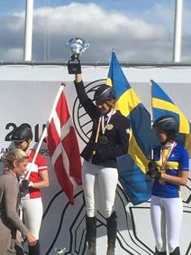 Annie Ivarsdottir guld, Sofie Panduro Danmark och Moa Runnqvist brons.