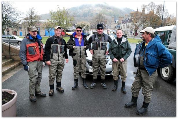 Global Team in River Dee Photo Thomas Thore