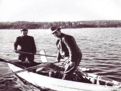 Hämtning av älg från Vråa,19 50-talet. F.v: Johan i Damkasa och Birger i Åsebystan