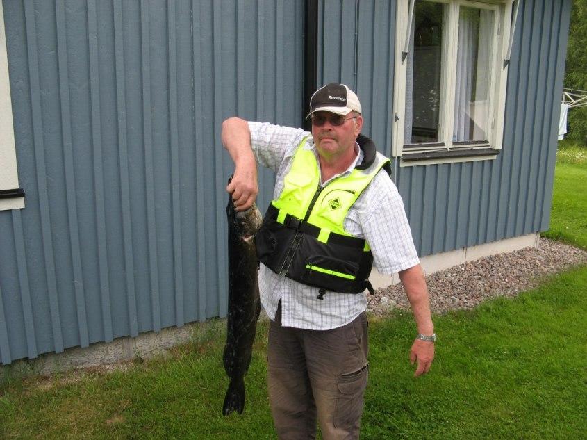Paul med sin 5-kilosgädda 2011-06-26